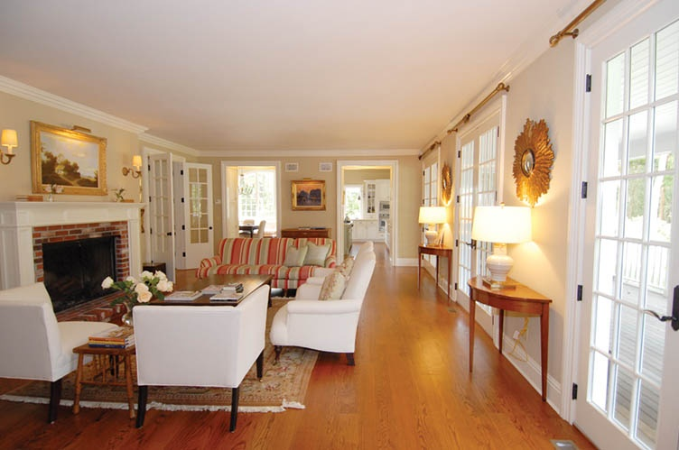 Additional photo for property listing at Stunning Rental  Sag Harbor, Nueva York