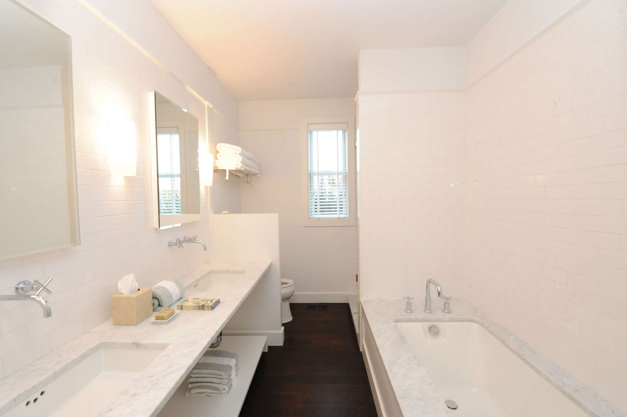 Additional photo for property listing at Chic In Southampton Village  Southampton, New York