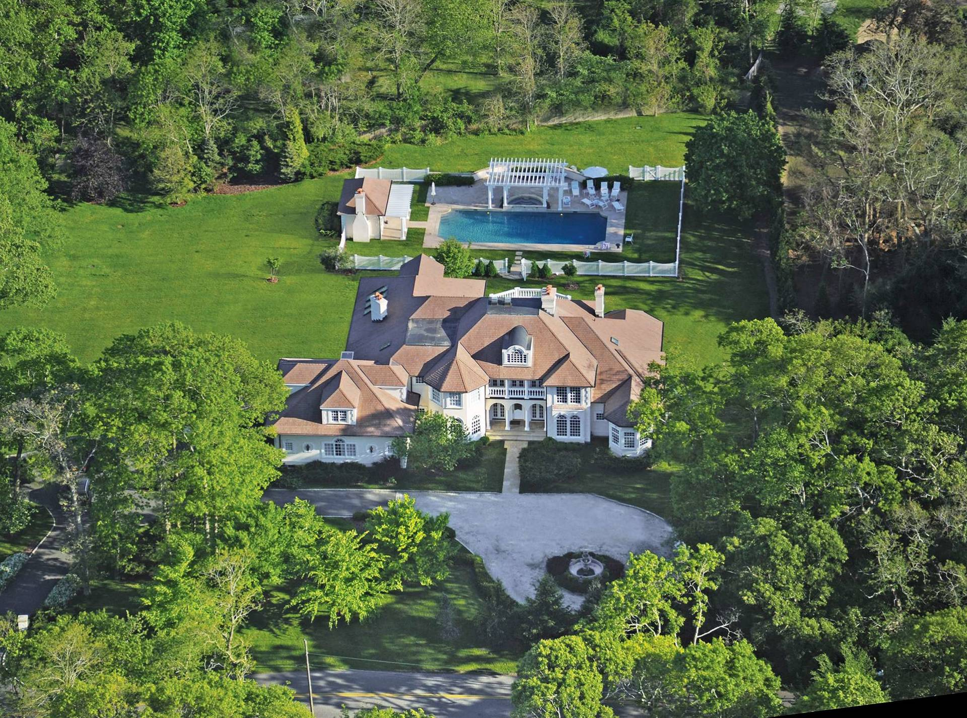 Single Family Home for Sale at Southampton Estate 178 Edge Of Woods Road, Southampton, New York