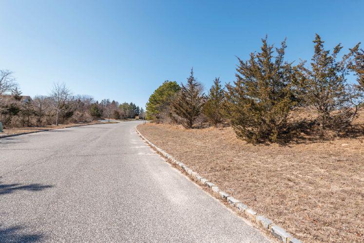 Additional photo for property listing at Southampton Land  Southampton, Nueva York