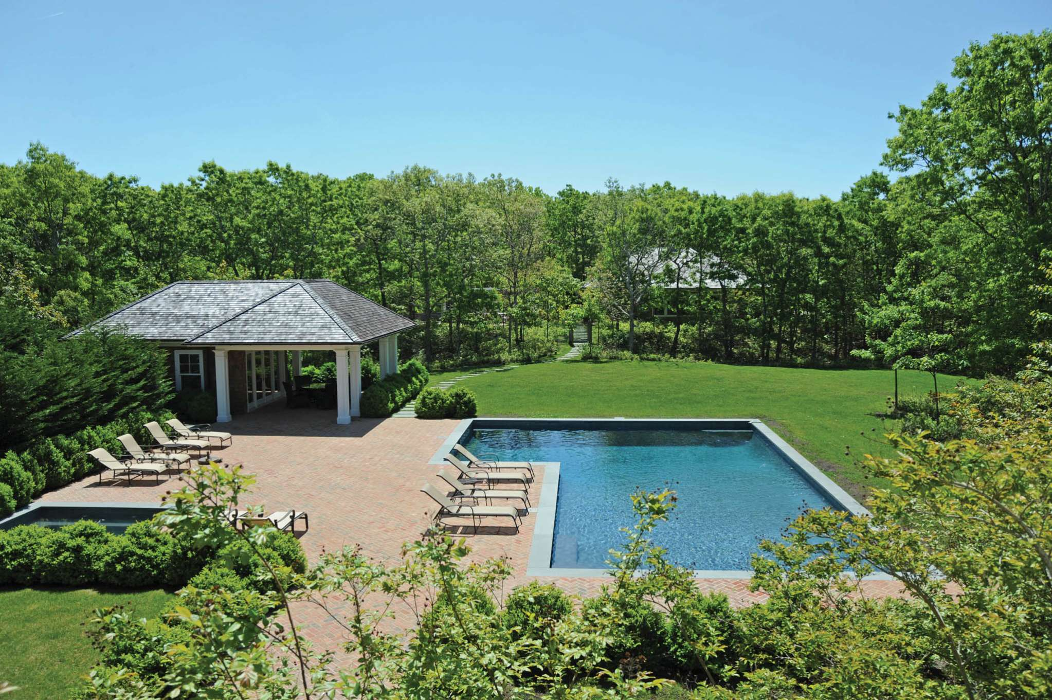 Additional photo for property listing at Luxury Hideaway On Five Acres  Water Mill, Nueva York