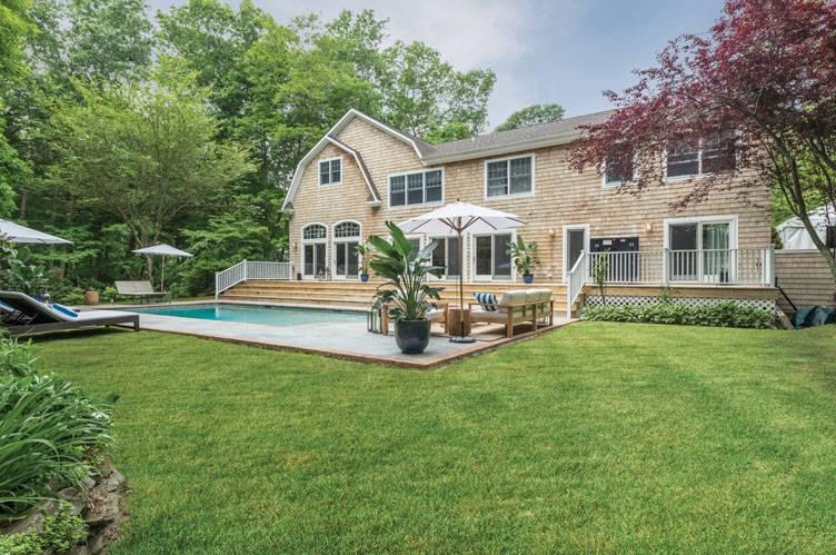 Casa Unifamiliar por un Alquiler en 6br Newly Furnished And Landscaped Sag Harbor, Nueva York