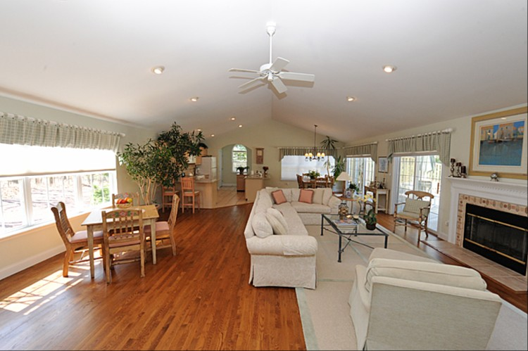 Additional photo for property listing at Post Modern Bordering Reserve  East Hampton, New York