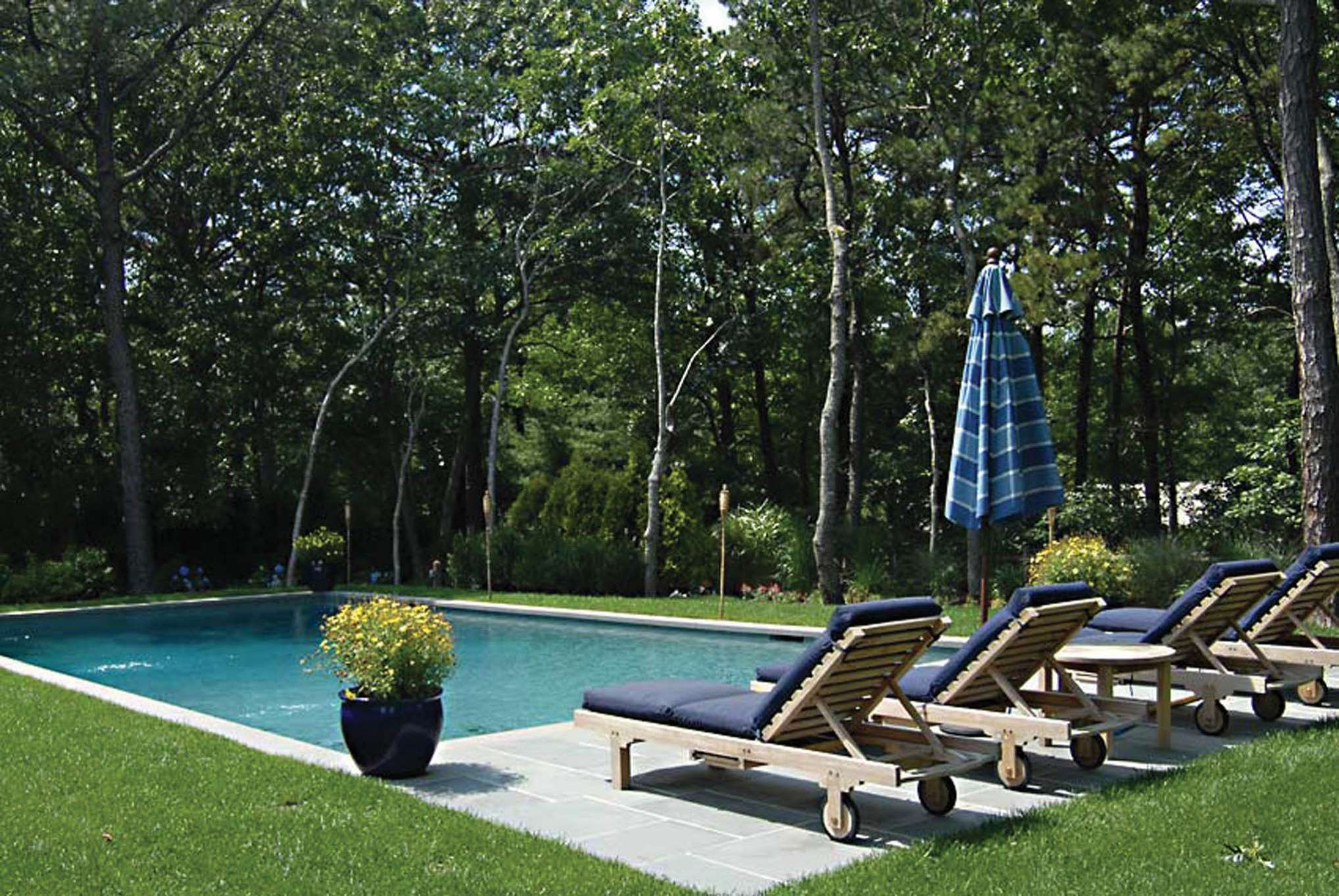 Additional photo for property listing at Perfectly Located Summer Rental  Wainscott, New York