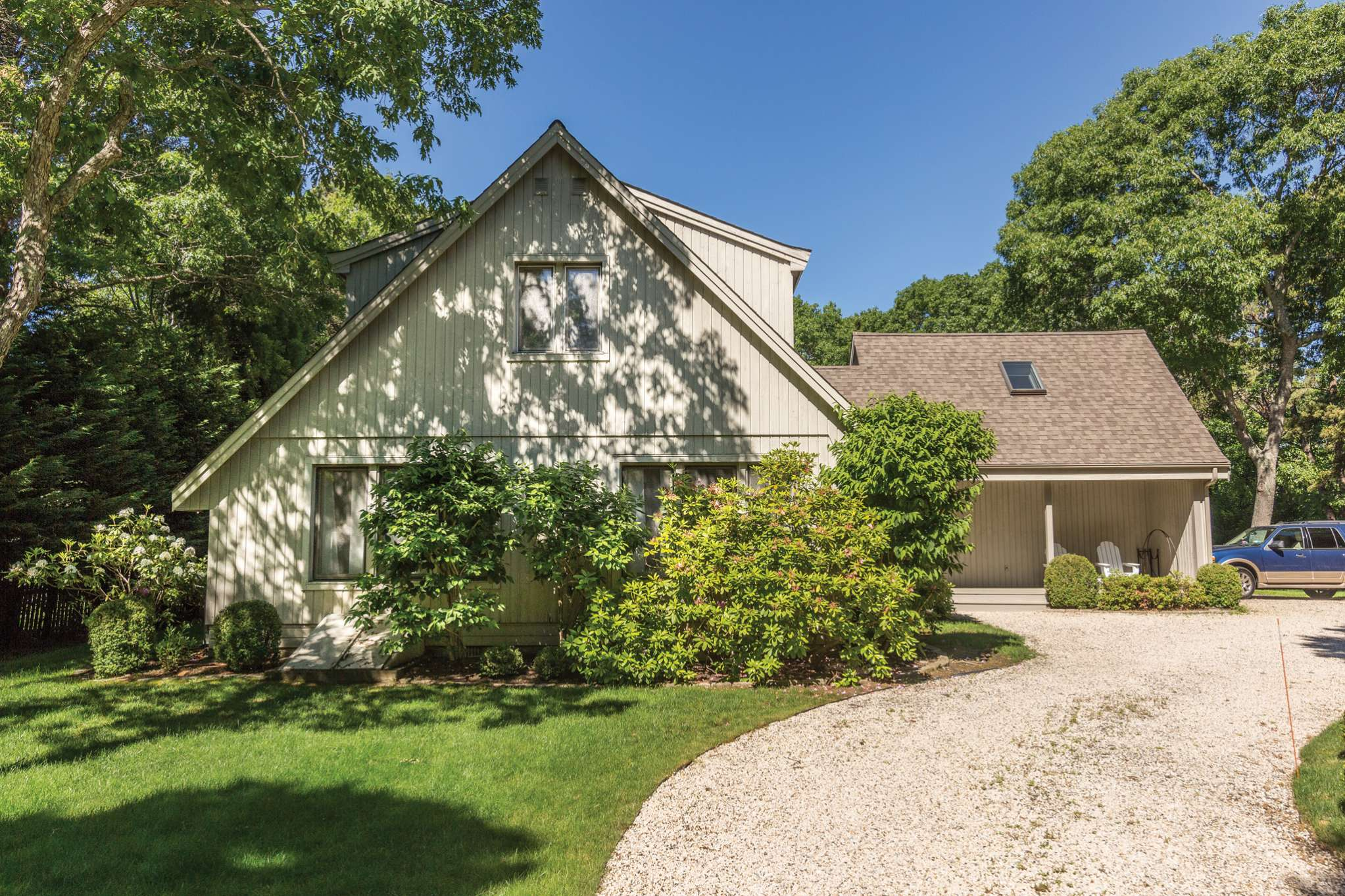 Additional photo for property listing at Close To Ocean Beaches  Wainscott, Nueva York