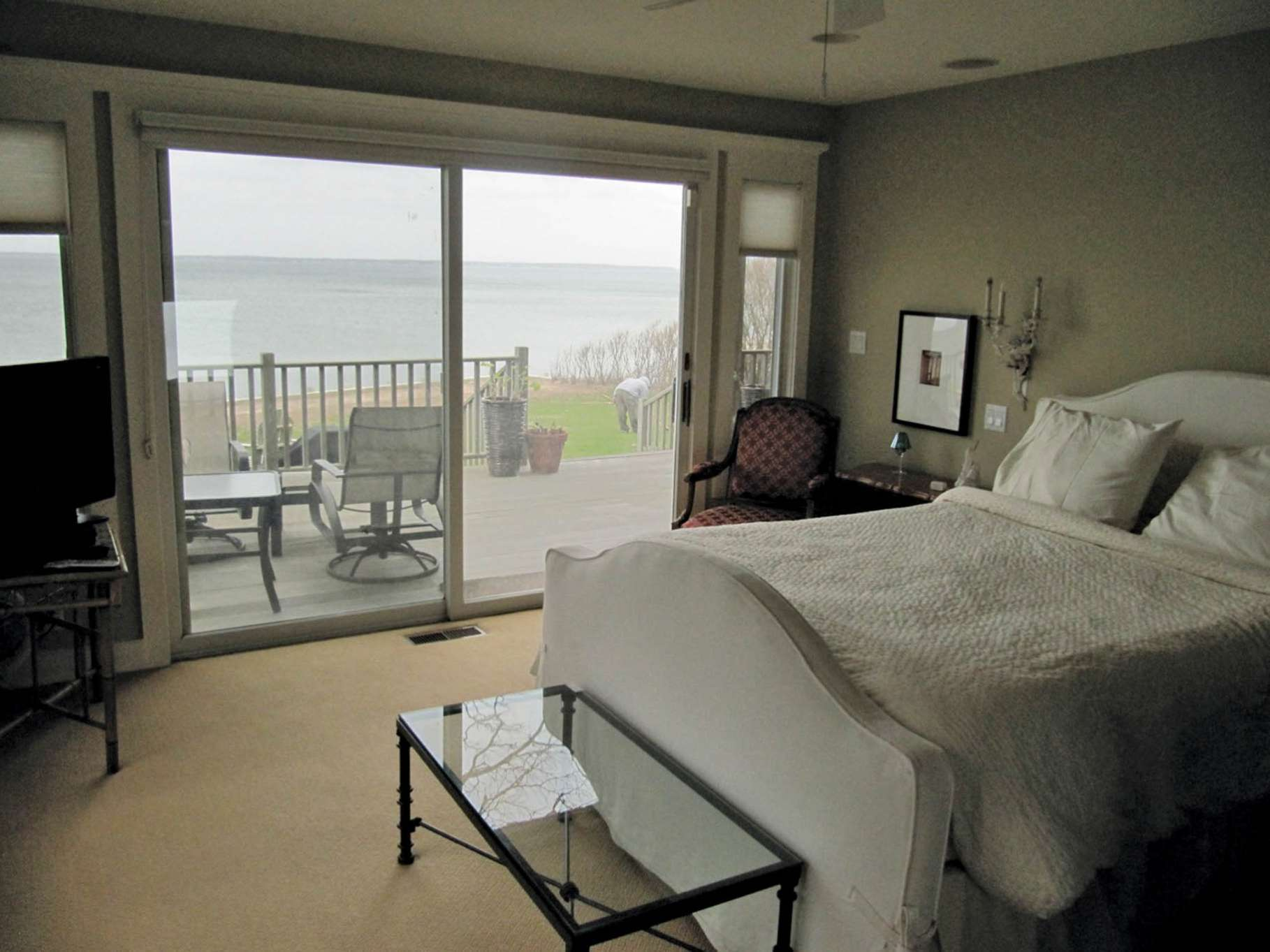 Additional photo for property listing at Bay Front Beauty  Sag Harbor, Nueva York