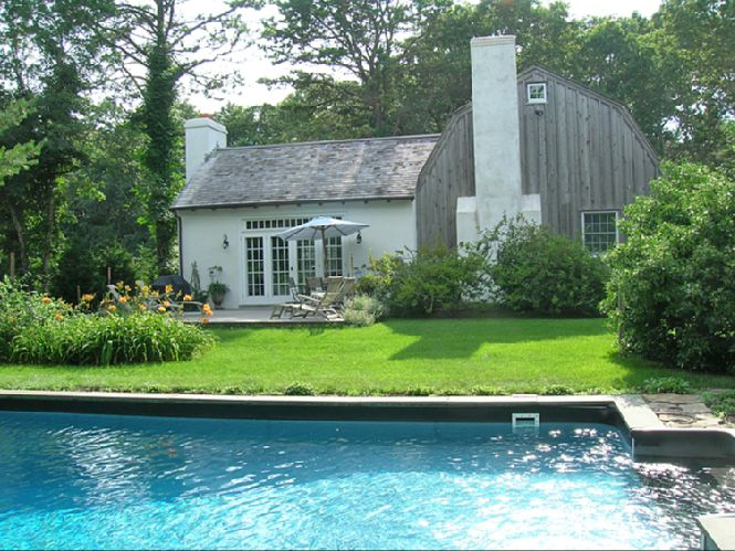 Additional photo for property listing at Wainscott Barn Rental  Wainscott, New York