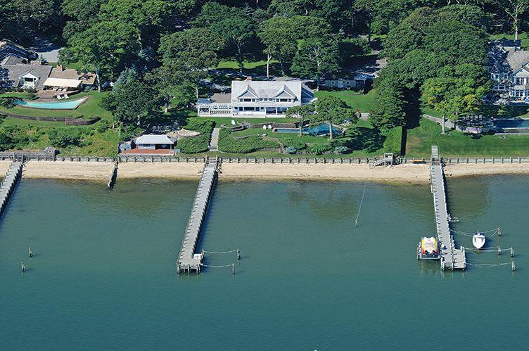 Casa Unifamiliar por un Alquiler en Bay Front With Forever Views Sag Harbor, Nueva York