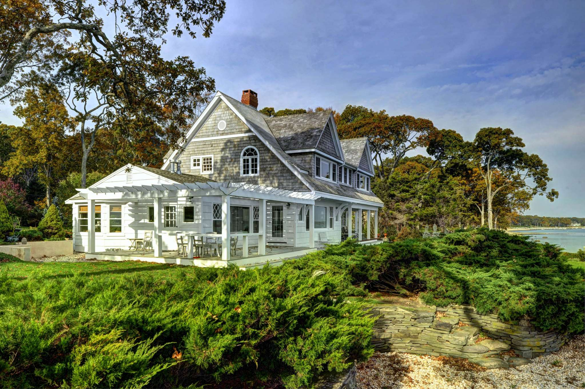 Additional photo for property listing at Bay Front With Forever Views  Sag Harbor, Nueva York
