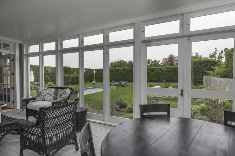Additional photo for property listing at Beach Chic Just Feet From The Ocean In Sagaponack South  Sagaponack, Nueva York