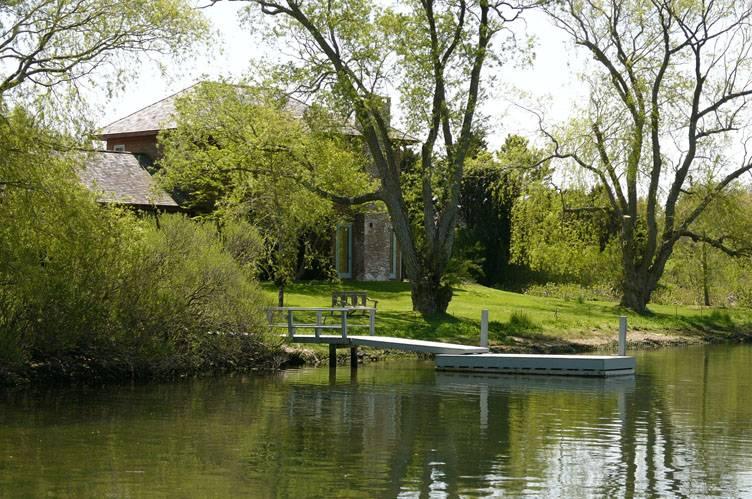 Additional photo for property listing at Southampton Village Waterfront  南安普敦, 纽约州