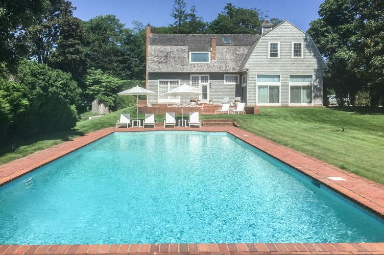 Additional photo for property listing at Waterfront Village Home On Lake Agawam  Southampton, New York