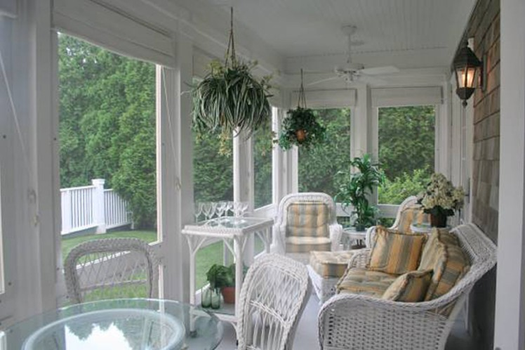 Additional photo for property listing at Heart Of Village Traditional Home  Southampton, Nueva York