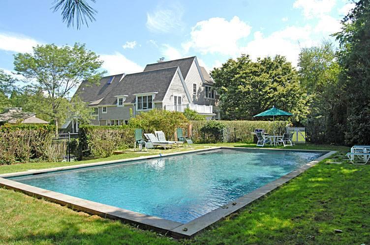 Casa Unifamiliar por un Alquiler en Pool And Tennis Southampton Village Southampton, Nueva York