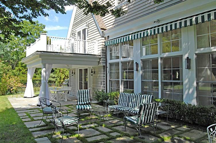 Additional photo for property listing at Pool And Tennis Southampton Village  Southampton, Nueva York