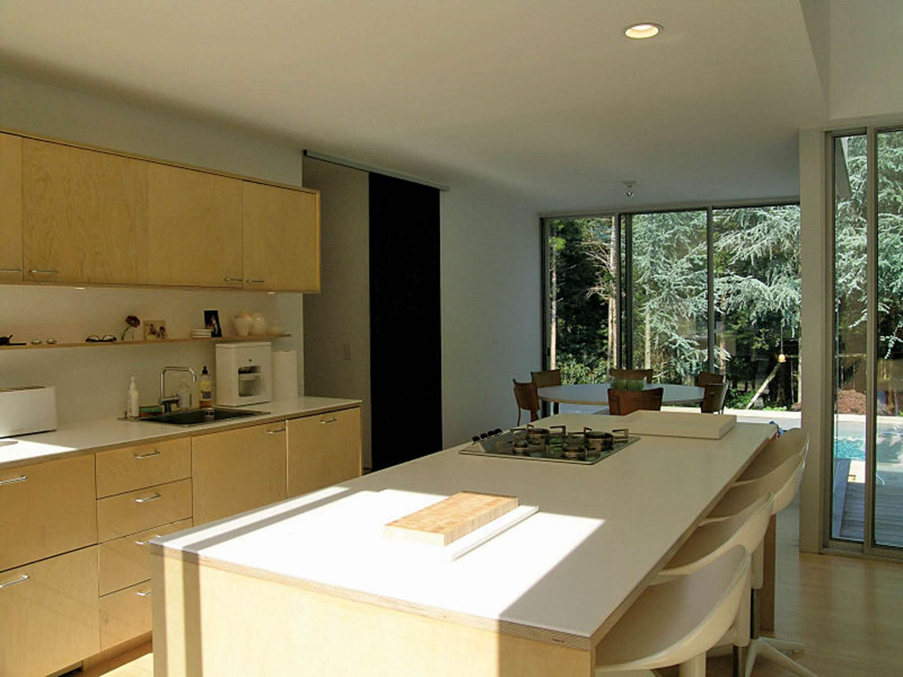 Additional photo for property listing at Modern And Minimalist  East Hampton, New York