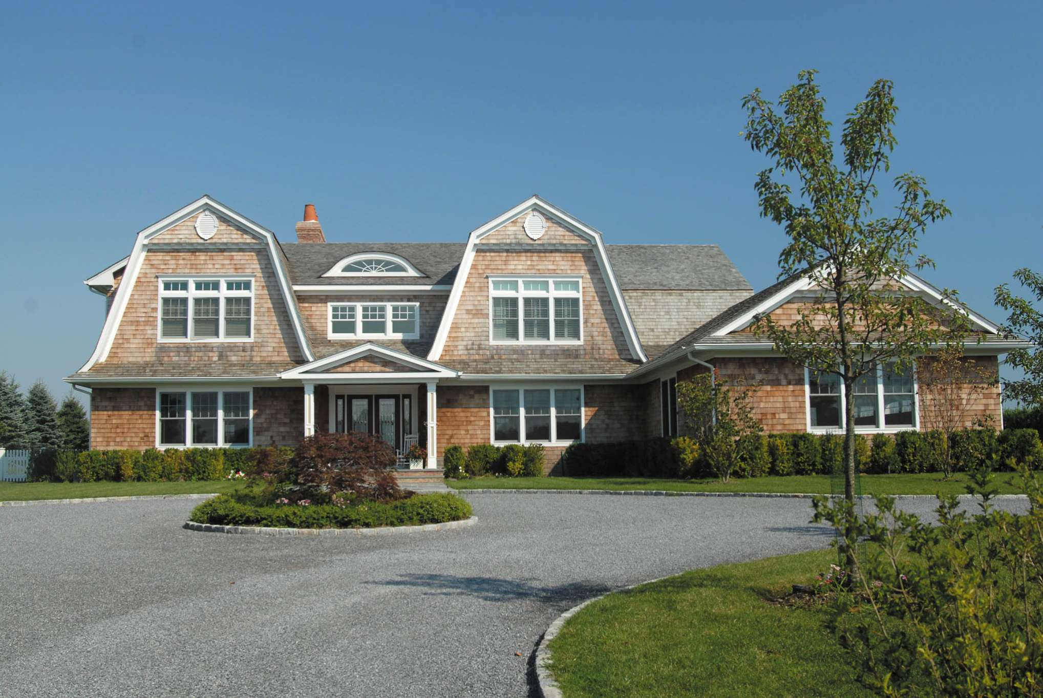 Additional photo for property listing at Fabulous Village Rental  Southampton, New York