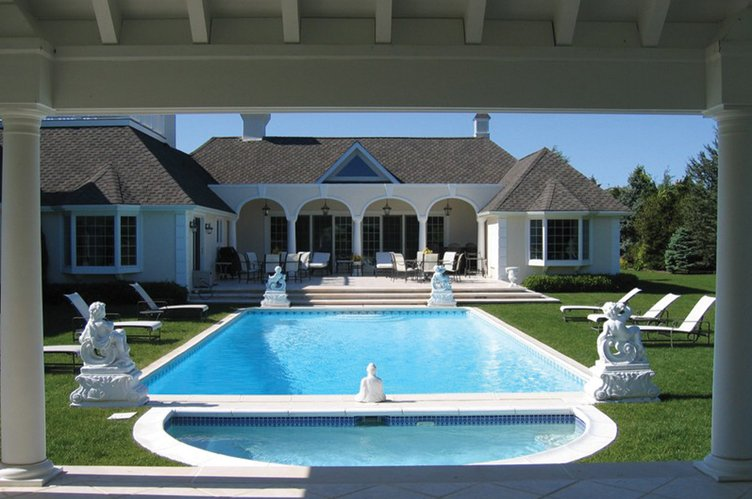 Additional photo for property listing at Mediterranean Magnificence  Southampton, New York