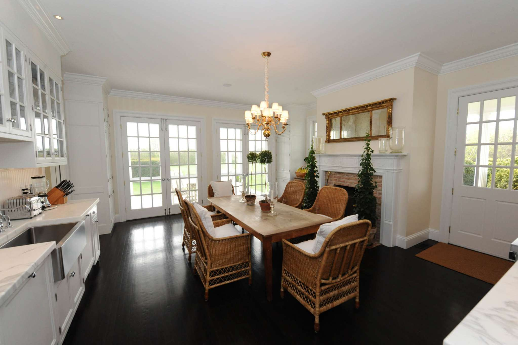Additional photo for property listing at South Of The Highway Rental  Bridgehampton, New York