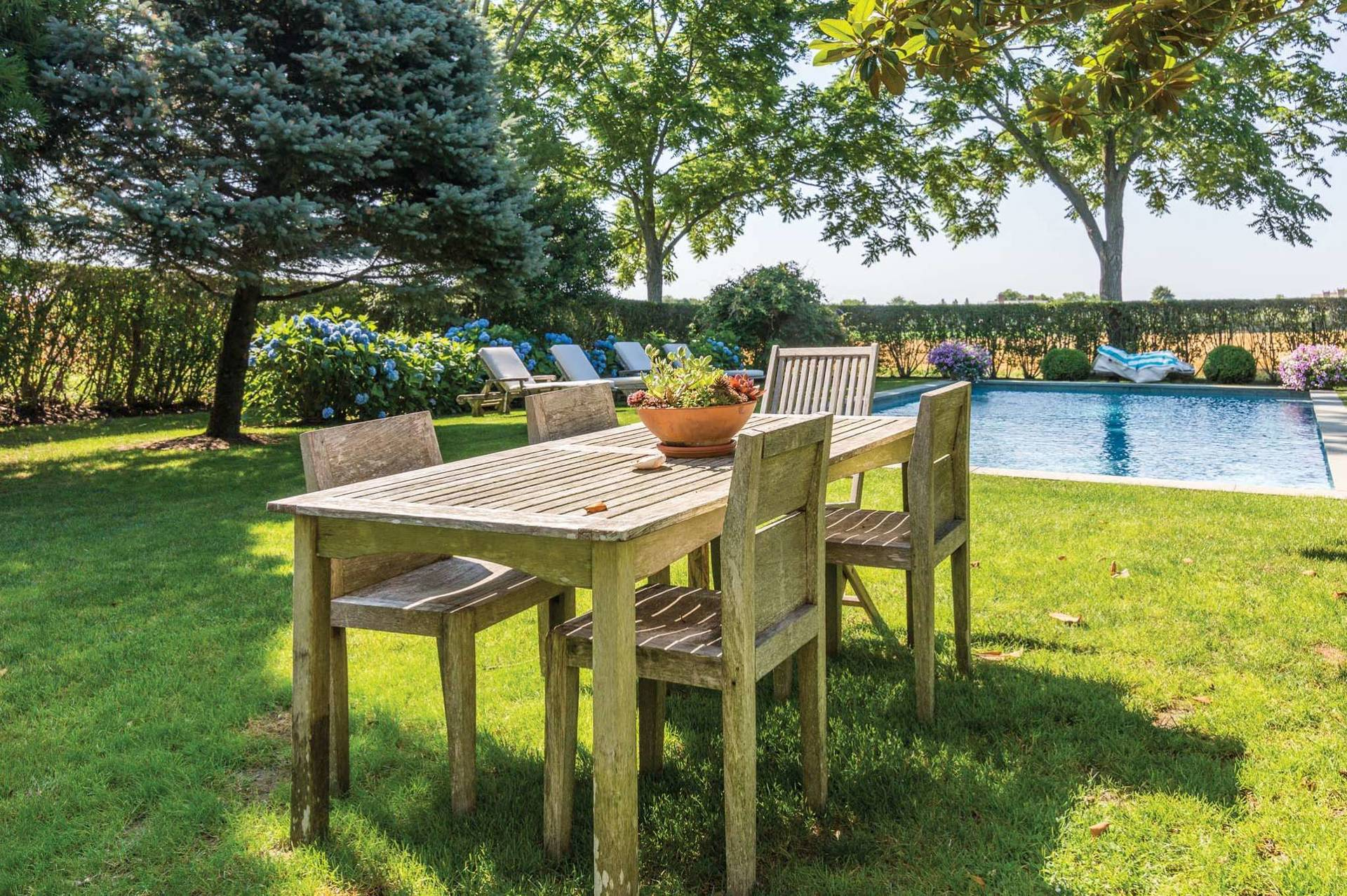 Additional photo for property listing at South Of Highway Perfect Gem  Bridgehampton, Nueva York