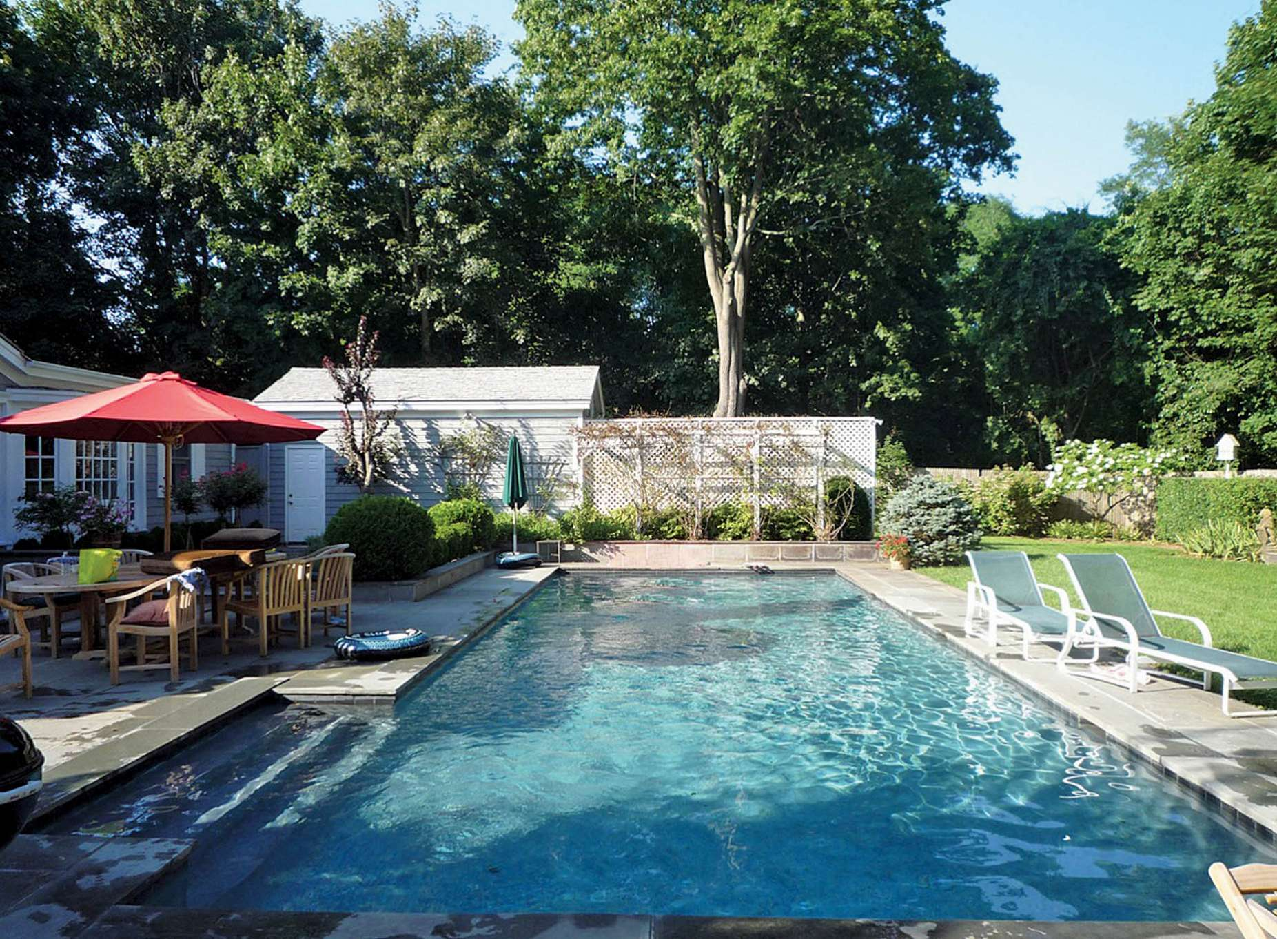 Additional photo for property listing at Village Carriage House  Southampton, Nueva York