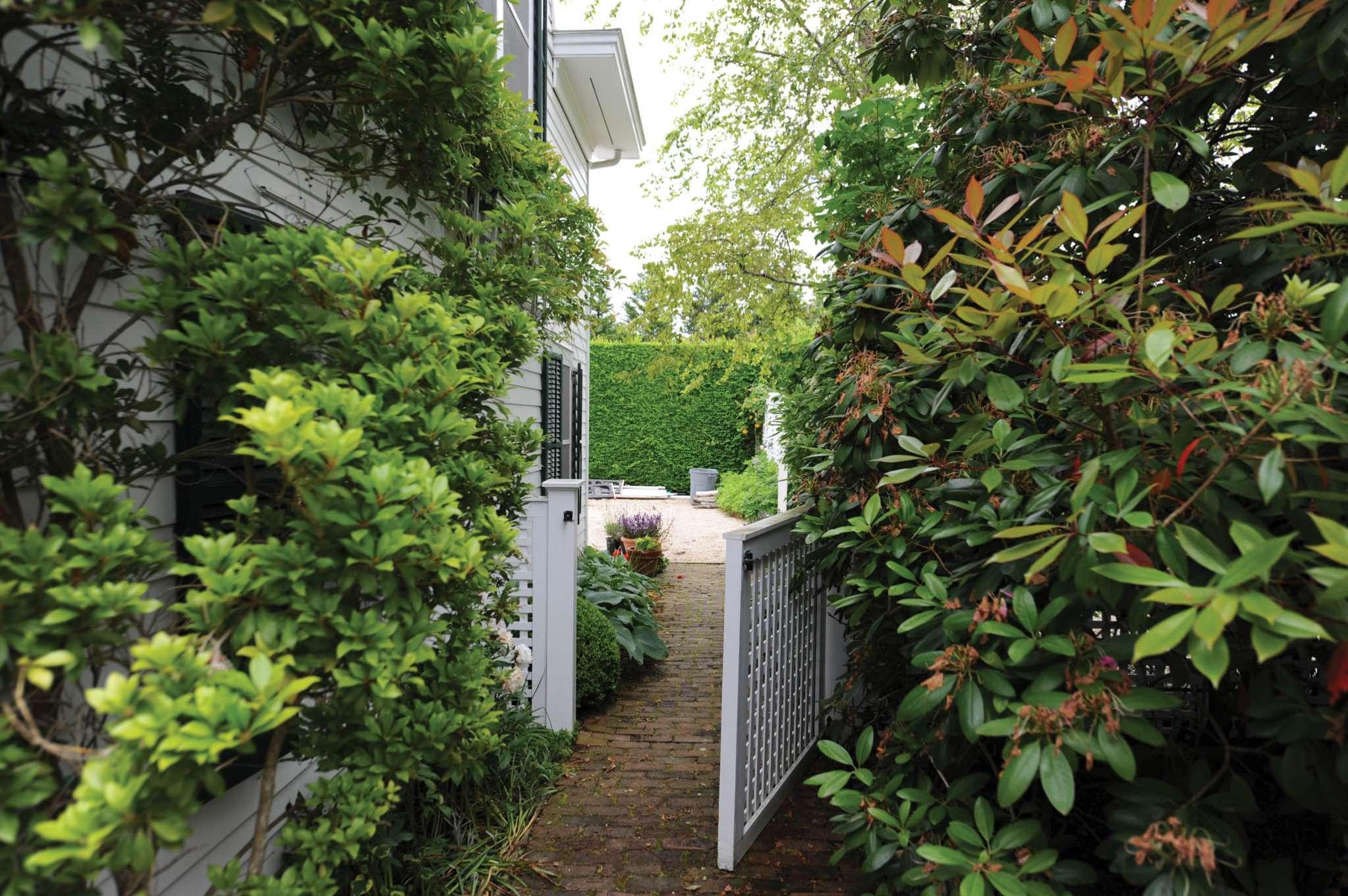 Additional photo for property listing at Southampton Village Estate Area  南安普敦, 纽约州