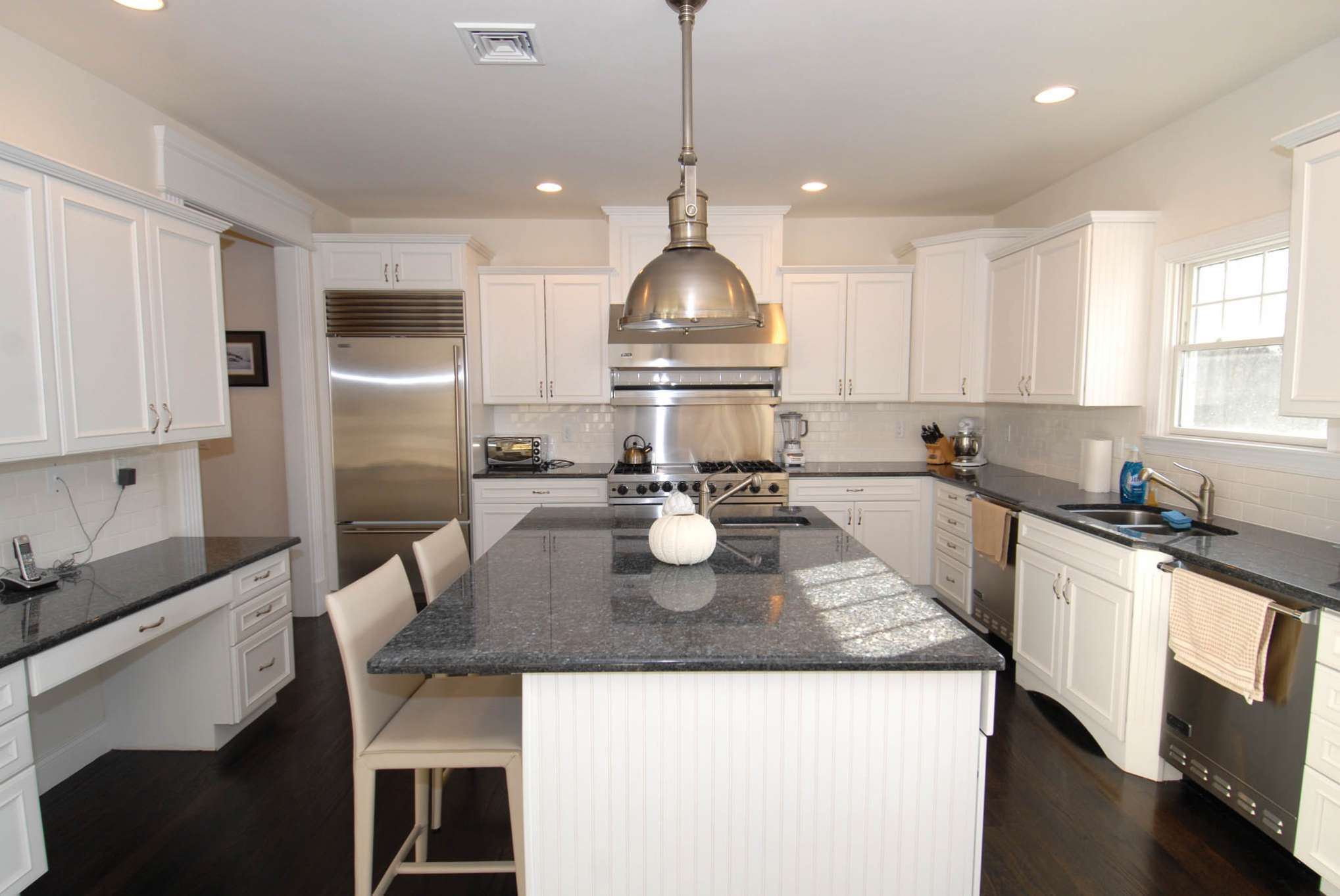 Additional photo for property listing at Centrally Located Southampton Rental  Southampton, Nueva York