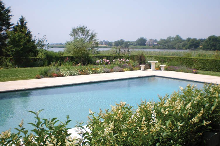 Additional photo for property listing at Pond Front Perfection  Sagaponack, Nueva York
