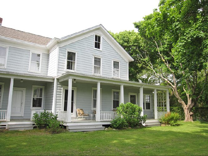 Casa Unifamiliar por un Alquiler en Sagaponack Farmhouse Steps To Sagg Main Beach Sagaponack, Nueva York