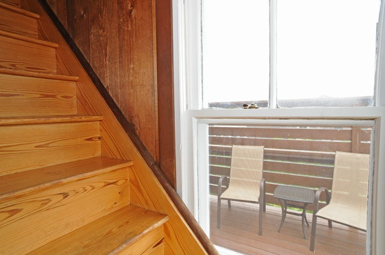 Additional photo for property listing at Oceanfront Sagaponack Vintage Beach Cottage  Sagaponack, Nueva York