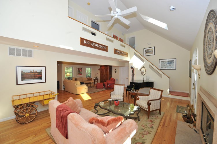 Additional photo for property listing at Privacy In Sag Harbor  Sag Harbor, New York