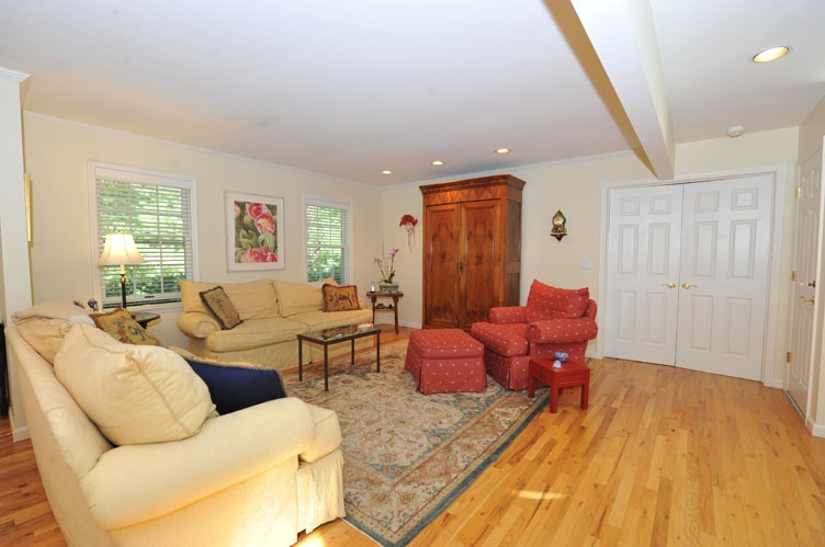 Additional photo for property listing at Privacy In Sag Harbor  Sag Harbor, Nueva York