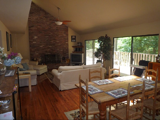 Additional photo for property listing at Summer Or Year Round Rental  Southampton, Nueva York