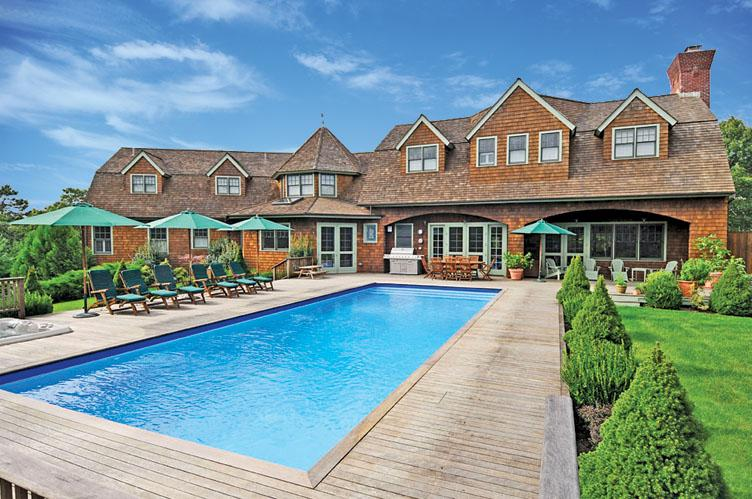 Additional photo for property listing at Five Bedroom Home With Pool And Ocean Views  Wainscott, Nueva York