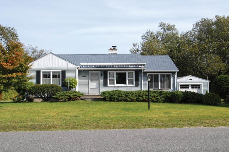 Additional photo for property listing at Views Of Noyac Bay  Sag Harbor, New York