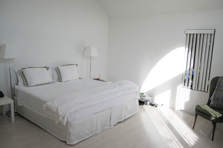 Additional photo for property listing at Bright Pristine Contemporary With Heated Pool And Tennis  Water Mill, 纽约州