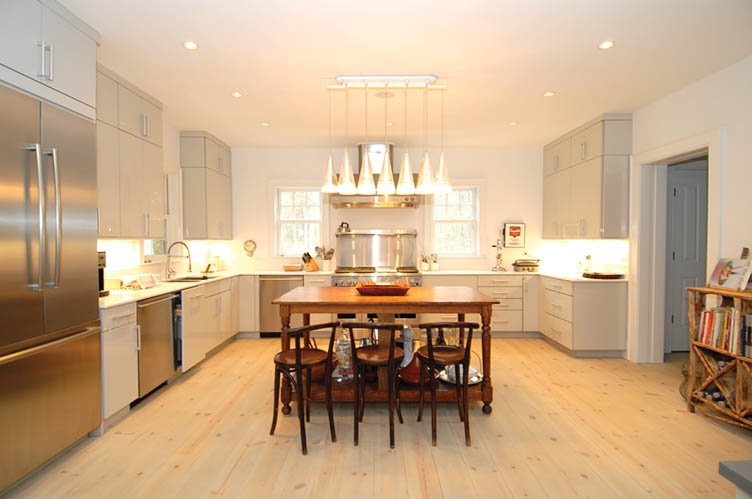 Additional photo for property listing at Modern Meets Tradition  南安普敦, 纽约州