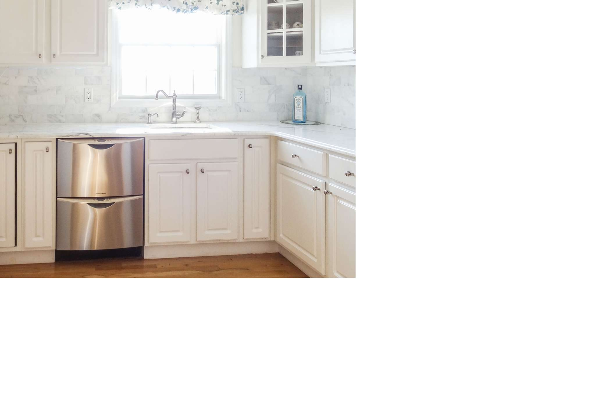 Additional photo for property listing at Water Mill Traditional  Water Mill, New York