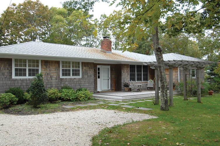 Casa Unifamiliar por un Alquiler en Summer Cottage Sagaponack, Nueva York