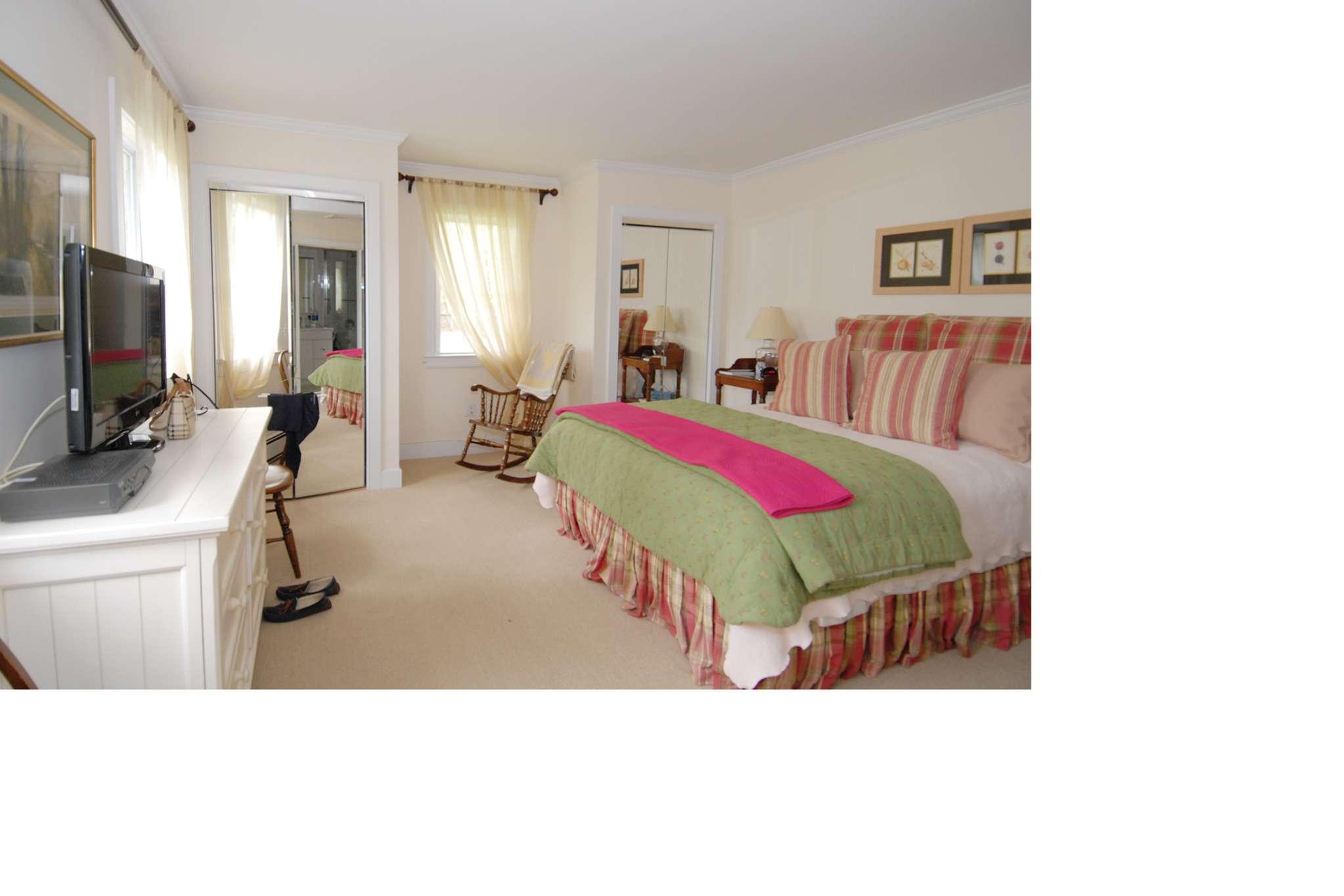 Additional photo for property listing at Summer Cottage  Sagaponack, Nueva York