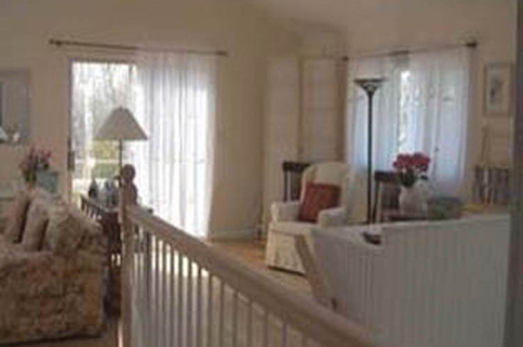 Additional photo for property listing at Large One Bedroom Apartment In Sag Harbor  Sag Harbor, Nueva York
