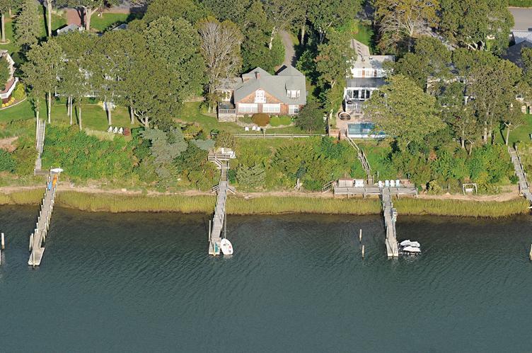 Casa Unifamiliar por un Alquiler en Waterfront Sag Harbor Sag Harbor, Nueva York