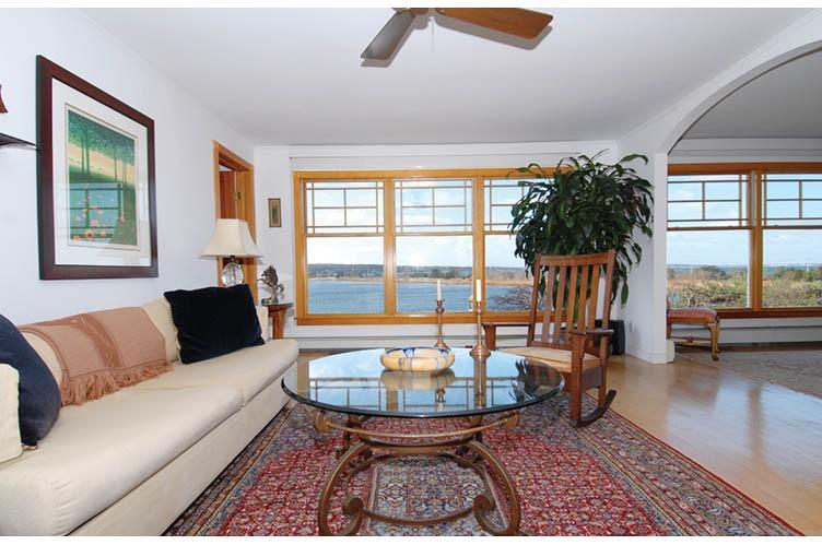 Additional photo for property listing at Waterfront Sag Harbor  Sag Harbor, Nueva York