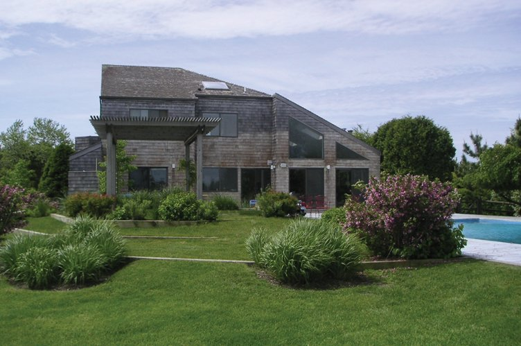 Additional photo for property listing at Beach Chic  Bridgehampton, New York