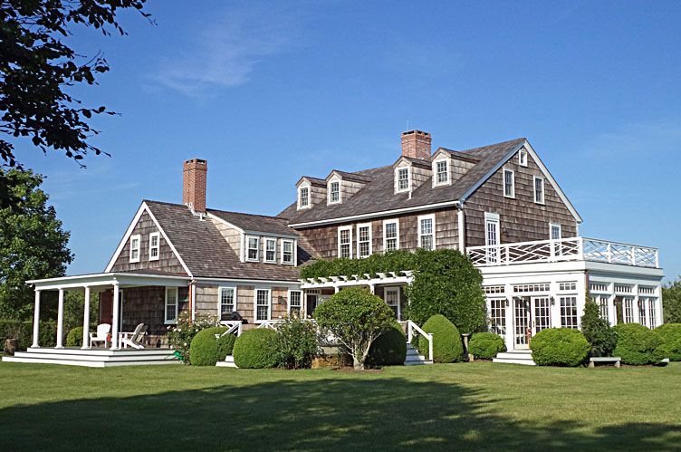 Casa Unifamiliar por un Alquiler en Bridgehampton Traditional South On Five Acres Bridgehampton, Nueva York