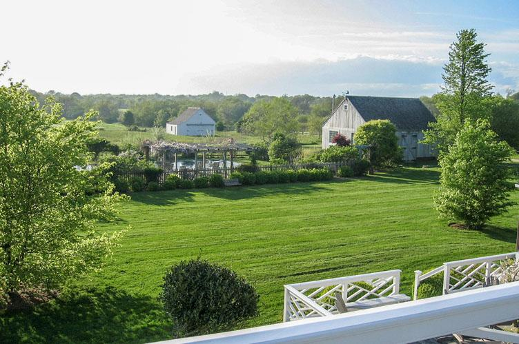 Additional photo for property listing at Bridgehampton Traditional South On Five Acres  Bridgehampton, Nueva York