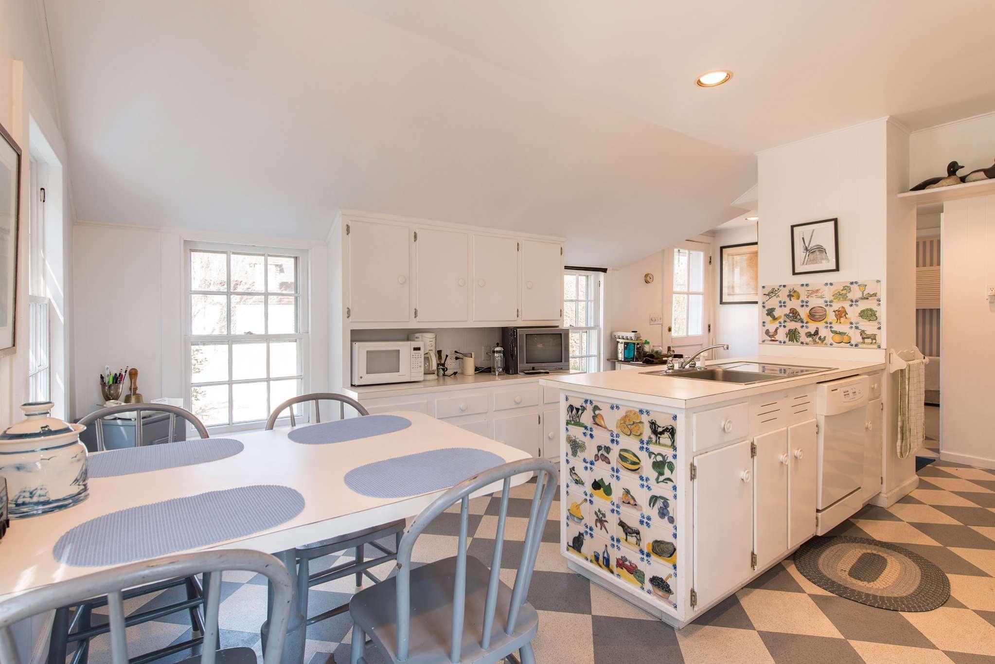Additional photo for property listing at Historic Farmhouse  Bridgehampton, New York