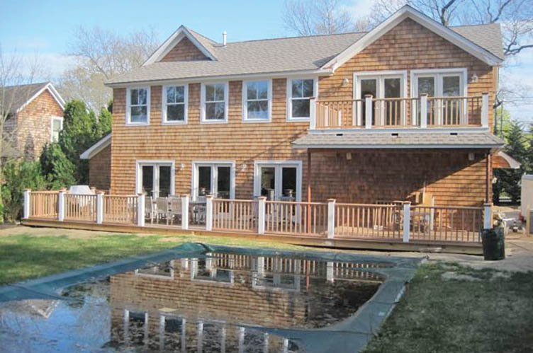 Additional photo for property listing at Village With Pool  Sag Harbor, Nueva York