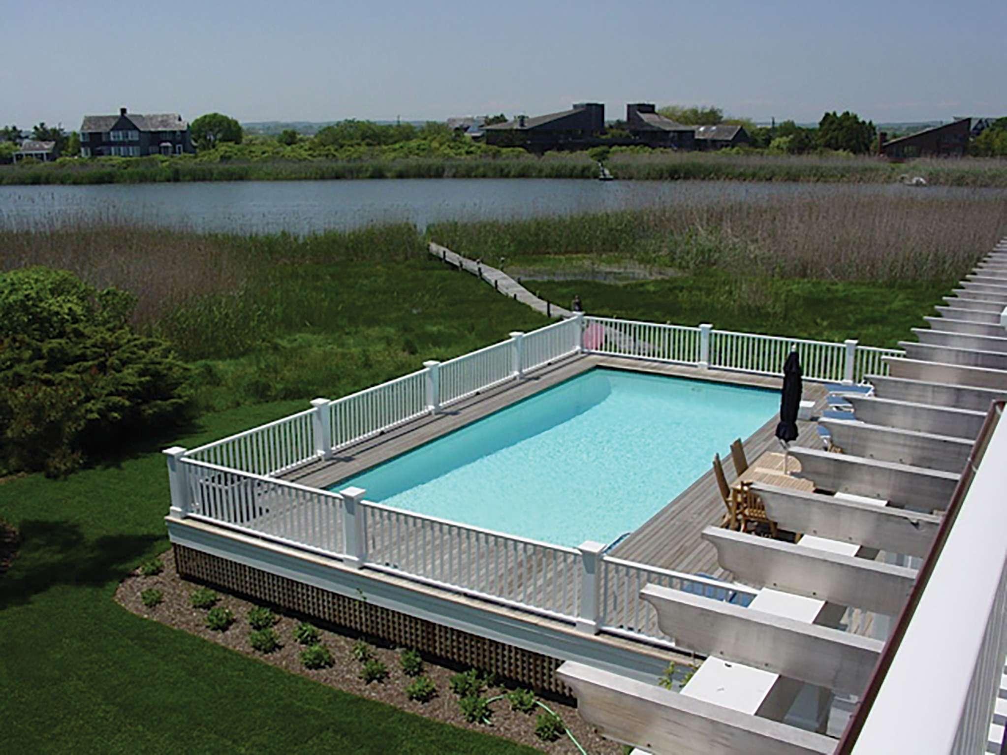 Additional photo for property listing at Bridgehampton Mecox Bayfront With Dock And Pool  Bridgehampton, Nueva York