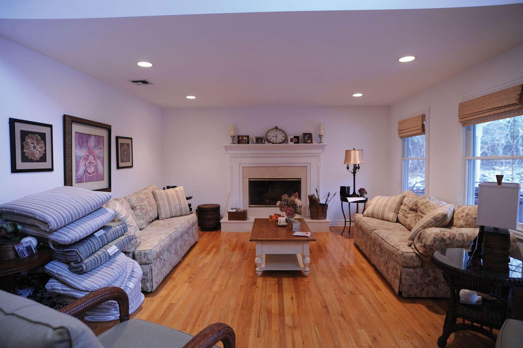 Additional photo for property listing at Bridgehampton With Tennis, Pool, Basketball, All The Toys  Bridgehampton, Nueva York
